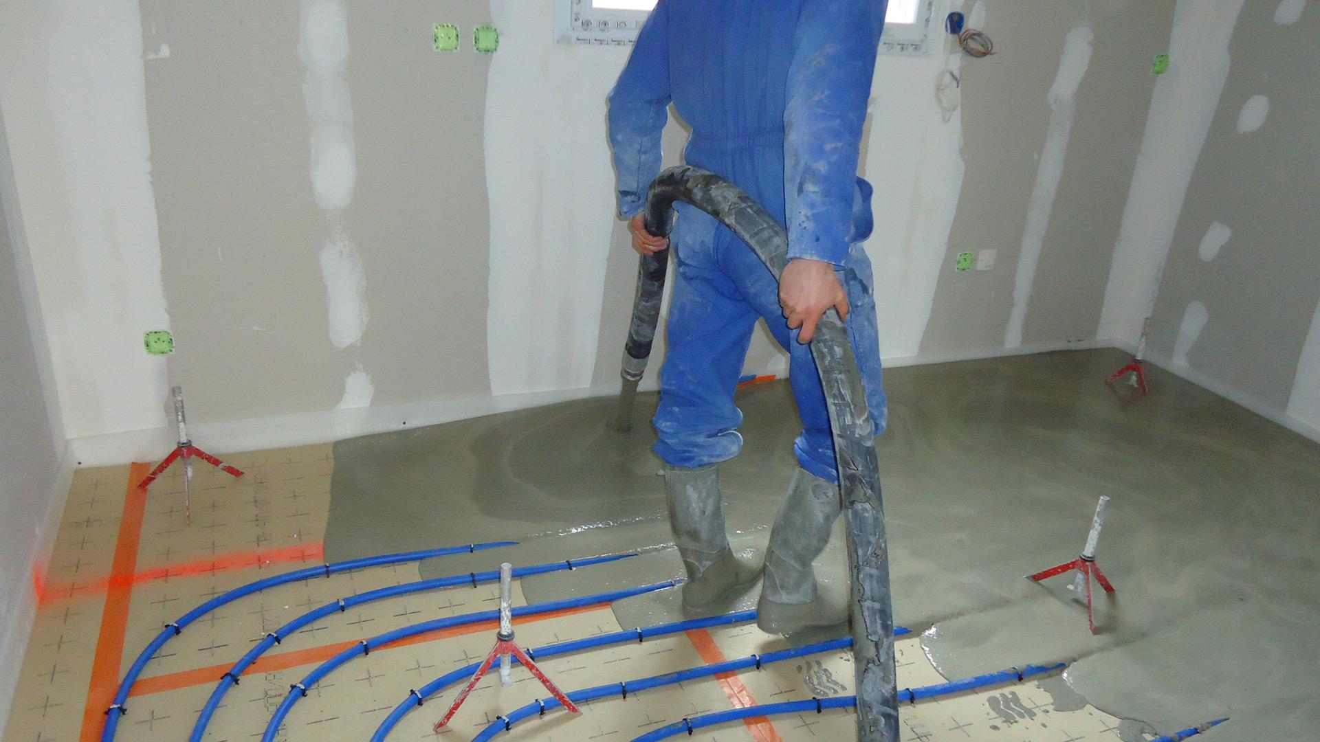 La vie d 39 un chantier de construction maison habitat libre for Chape liquide plancher chauffant